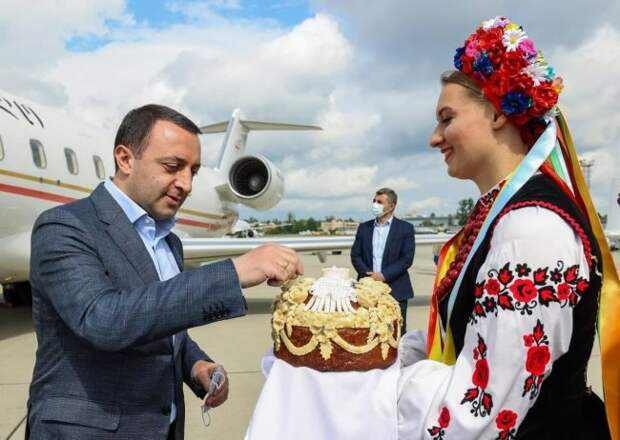 «Платформа тронется, а Крым останется»: влажные киевские мечты и суровая реальность