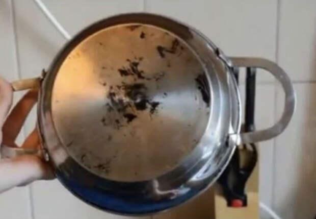Сковородку не мыли 50 лет: пробуем очистить новым способом