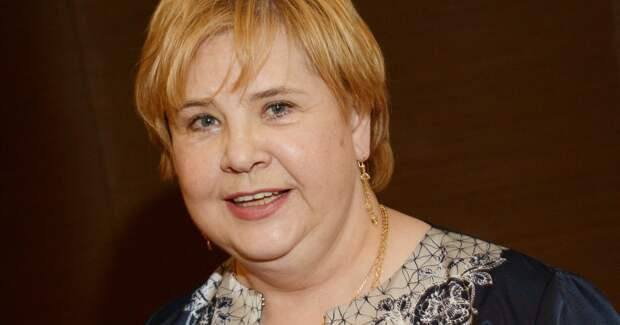 64-летняя Татьяна Догилева госпитализирована с пневмонией