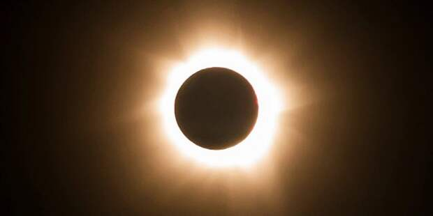 https://hi-news.ru/wp-content/uploads/2018/08/solar_eclipse_11-2-650x325.jpg