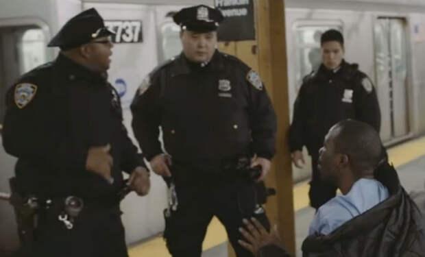 Казах-полицейский работает в США: как патрулируют в Нью-Йорке