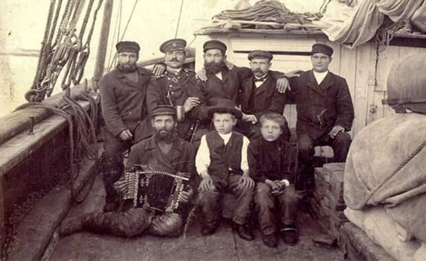 Кемские мореходы с мальчиками-зуйками