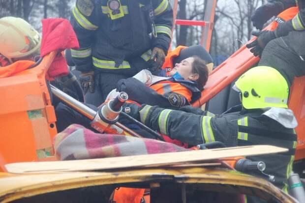 Спасатели выявили сильнейших на соревнованиях по ликвидации ДТП. Фото: Управление по САО Департамента ГОЧСиПБ