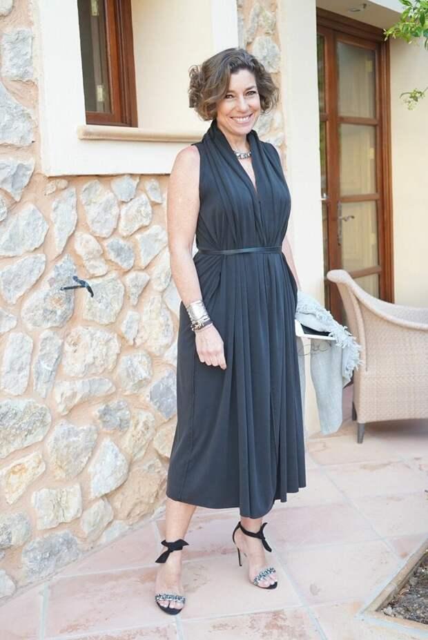 Как выглядеть красиво и молодо? 7 небанальных платьев, которые стилисты советуют носить взрослым леди