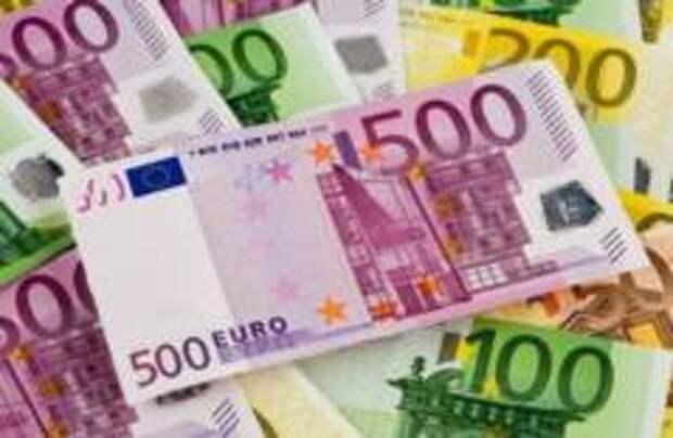 Итальянец нашел 20 тысяч евро в банкомате и вернул их владельцу