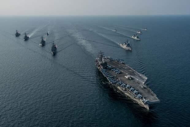В Сети прокомментировали приказ ВМС США вести огонь по военным кораблям России и Китая