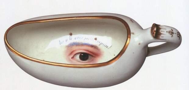 Ночной горшок 18-го века с надписью «Я вижу тебя, маленький шалун».