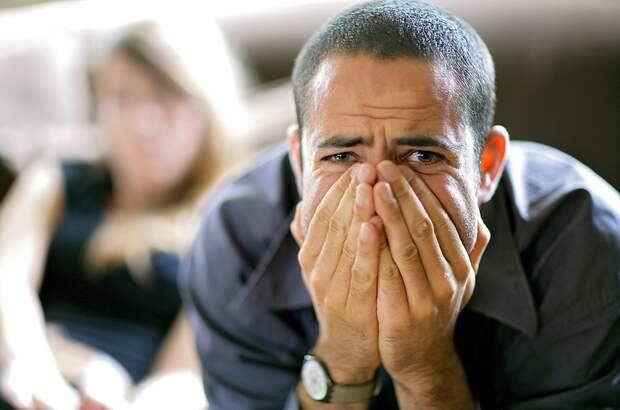 6 симптомов психических заболеваний, которые окружающие принимают закапризы