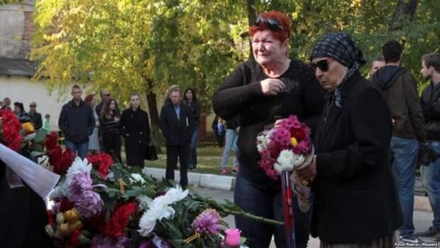 Кто и чем помог пострадавшим в Керчи