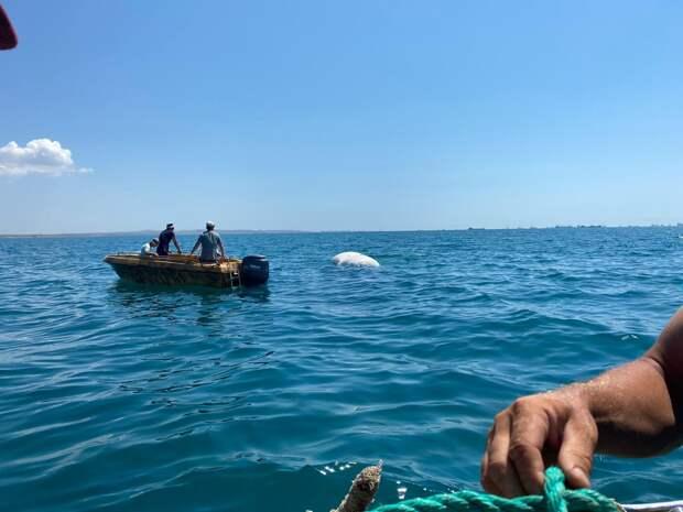 Со дна Керченского пролива подняли утонувшую бронемашину