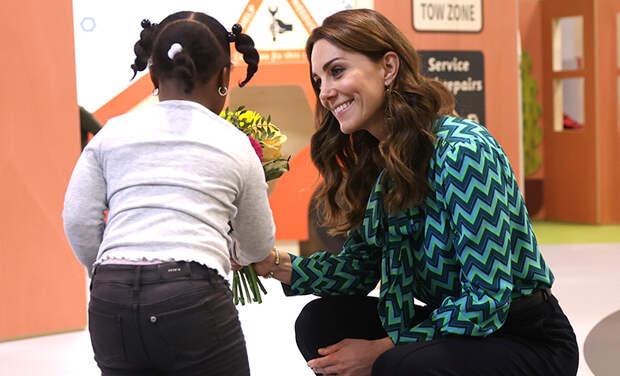 Успеть за 24 часа: Кейт Миддлтон посетила школу в Бирмингеме