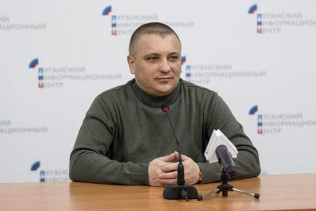 Марочко рассказал, через каких военных Порошенко управляет ВСУ в обход Зеленского
