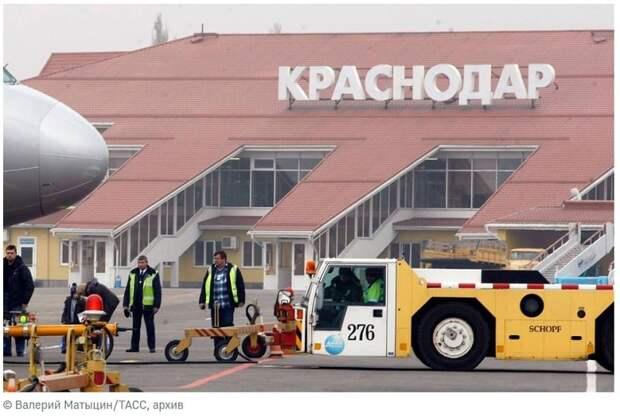Жесткая посадка самолета в Краснодаре — никто не пострадал