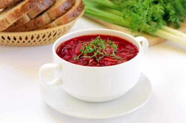 Мясо соль не любит. Как правильно солить шашлыки, супы и овощное рагу
