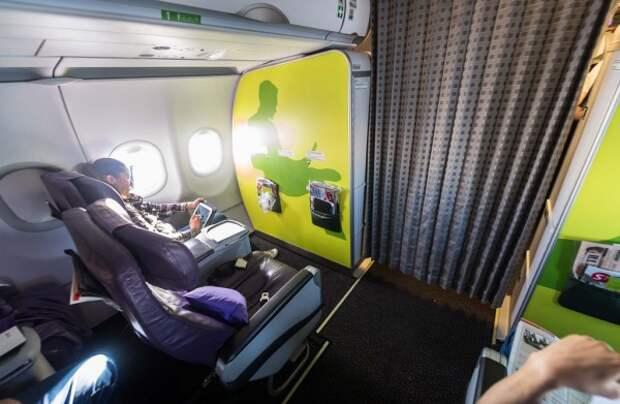 Россиянин угрожал взорвать самолет ради полета в бизнес-классе