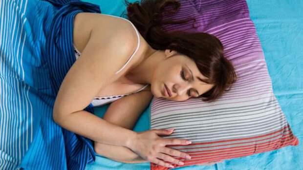 Сон достаточной продолжительности помогает терять жир на животе