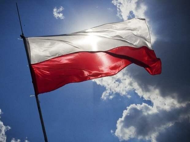 В Польше постепенно отменяют коронавирусные ограничения
