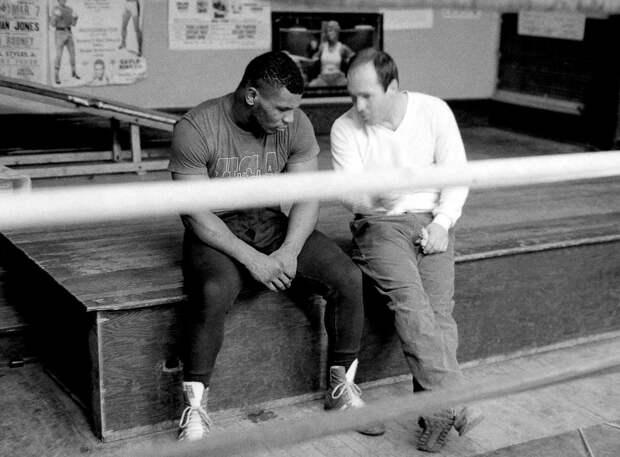 Скандал иумиротворение: жизнь Майка Тайсона наискренних фотографиях Майкла Бреннана