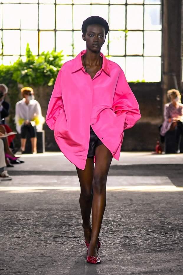 Совсем не нейтрально: яркий цвет, который будет самым модным в 2021 году