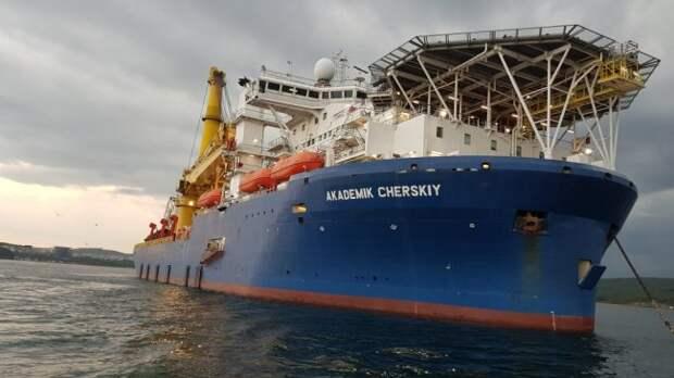 «Крымский манёвр» поможет «Академику Черскому» обойти иностранные санкции