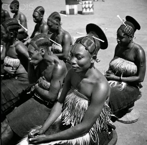 История в фото: у африканского народа эталоном красоты когда-то была удлиненная голова