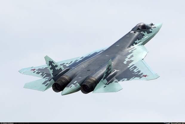 Су-57 начал полеты с новым оружием