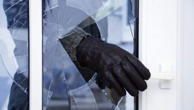 В Севастополе рецидивист обчистил квартиру местному жителю