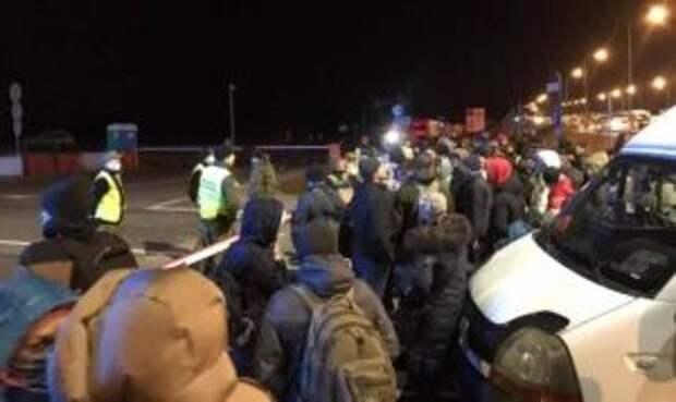 «Не впускайте их в страну»: украинцы ополчились против вернувшихся сограждан из Польши