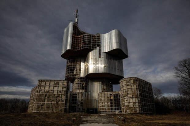 Памятник павшим во Второй мировой войне партизанам на Петровой Горе (1979 -1981 гг., Хорватия).   Фото: Marko Djurica.