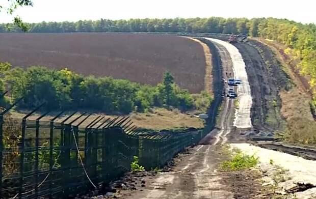 «Смеялись всем составом»: на Украине оценили стену на границе с Россией
