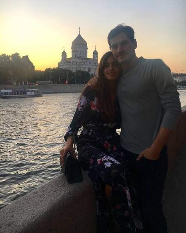 Икер Касильяс и Сара Карбонеро опровергли слухи о расставании