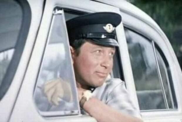 Актер Владимир Гуляев разгромил фашистский эшелон на штурмовике Ил-2 и участвовал в Параде Победы в Москве