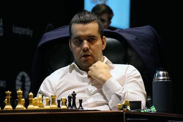 Непомнящий сохранил лидерство на турнире претендентов по шахматам