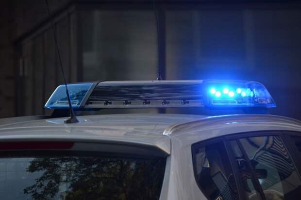 В одном из районов Крыма полицейские устроили погоню за пьяным водителем и прострели ему колёса машины