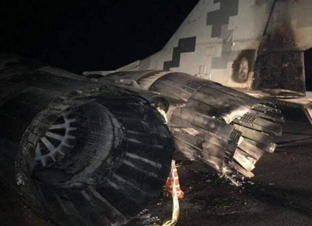 На Украине пьяный вдупель военный протаранил МиГ-29. Типичная незалежная сверхдержава