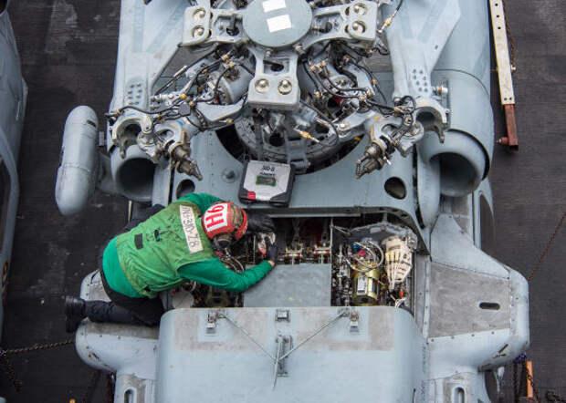Неопытные специалисты технического обслуживания способствуют росту аварий в военно-морской авиации США