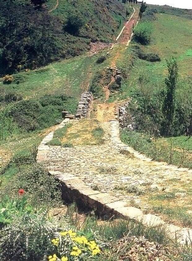 Участок римской дороги, Испания. baavar.mn - Все дороги ведут в Рим | Warspot.ru