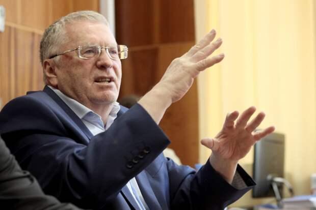 Жириновский посоветовал дать россиянам ещё неделю отдыха