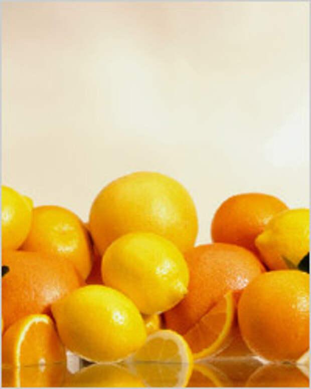 Витамин С, аскорбиновая кислота, самый главный витамин весны, отвечает за сопротивляемость нашего организма к различным инфекциям. Большие его количества содержатся в следующих продуктах: цитрусовые