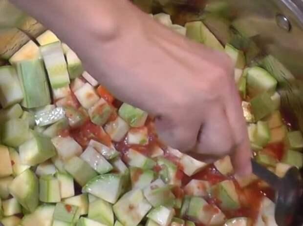 Кабачки в томатной пасте