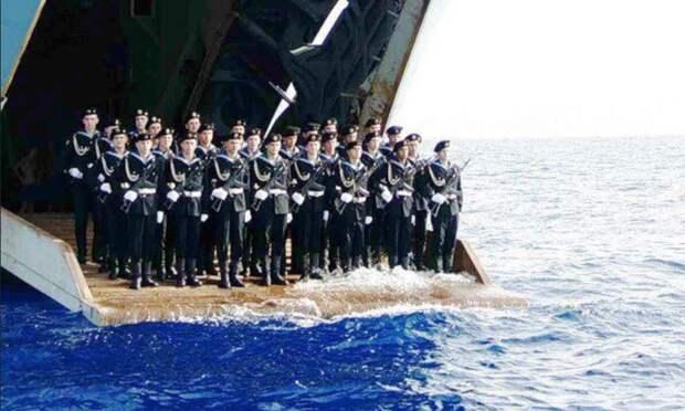Вот русский солдат и омыл сапоги в Индийском океане: Исполнилось пророчество Жириновского
