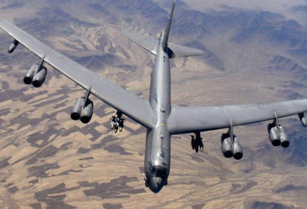 Экстремальный разворот огромного Б-52 в воздухе сняли на видео