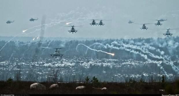 Новороссия ведет две войны