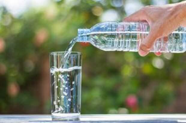 Запей воду водой. Как обойтись без лекарств, используя обычную минералку