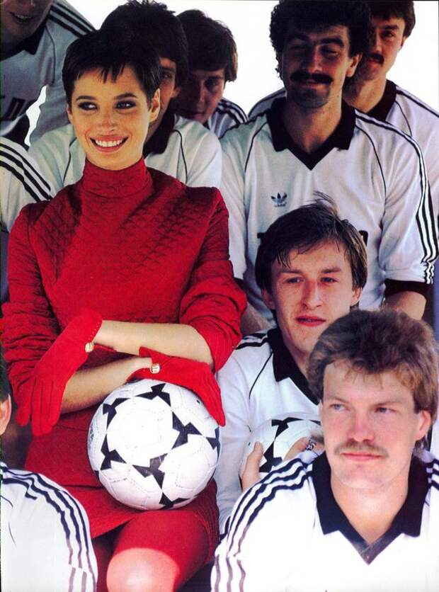 Кристи Тарлингтон в фотосессии для US Vogue, сентябрь 1990.
