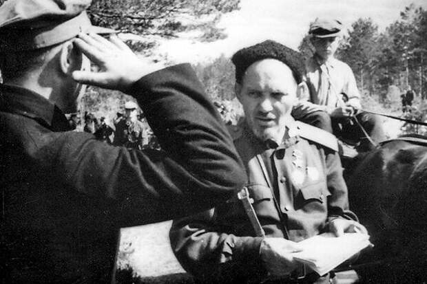 Встреча партизанских вожаков Деда и Бати (Ковпака и Линькова)