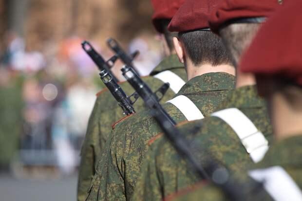 Рост цен на бензин в Ижевске, укрепление западной группировки российских войск и плавучая платформа для запуска ракет в США: что произошло минувшей ночью