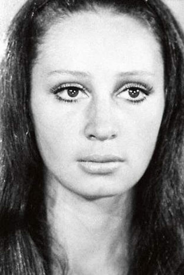Как менялась неподражаемая Татьяна Васильева с течением времени.