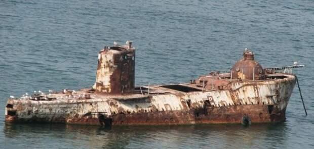 Оставленные в Севастополе украинские корабли сами затонут в течение трех лет