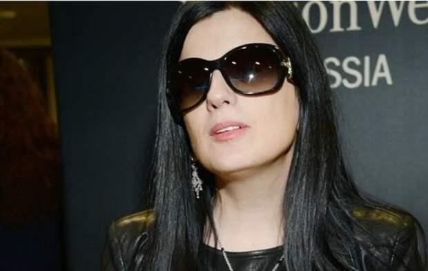 Диана Гурцкая: как выглядит певица без очков